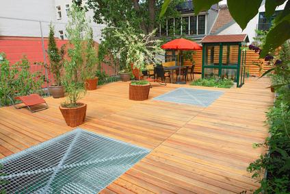 Holz im Garten – Stühle, Sitzmöbel, Gartenmöbel, u.v.m. ...